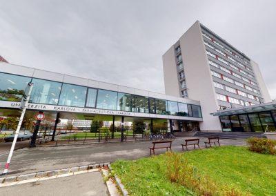 UK, Farmaceutická fakulta v Hradci Králové, Heyrovského