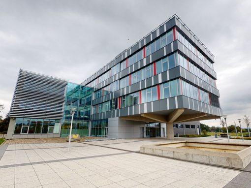 UK, Farmaceutická fakulta v Hradci Králové, Zborovská