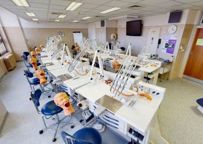 Lékařská fakulta UK – budova teoretických ústavů